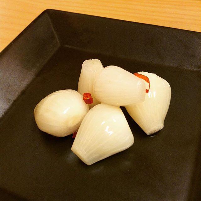 甘らっきょう。歯ごたえのいいらっきょうを食べやすく甘酢で漬け込みました。#甘酢#らっきょう漬け#シャキシャキ#アンデコ#レストラン#ランチ#fukushima#kooriyama #undeco#小田原屋漬物店#小田原屋#お漬物バイキング#漬物#お漬物#つけもの#おつけもの#和食#japanesetraditionalfood#otsukemono#food#japanese#baiking#japanesefood#tsukemono#japanfood#foodgasm#foodies#foodie#japanesetradition
