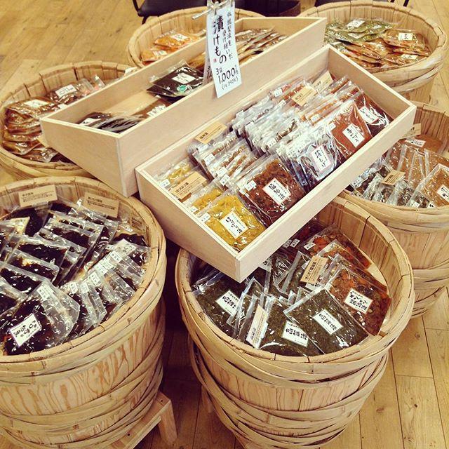 アンデコ店内の売り場をちょっと変えました。お店に入ってすぐに3つで1,000円の人気シリーズがあります。みなさんぜひお立ち寄りください。#レイアウト#売り場#アンデコ#レストラン#ランチ#fukushima#kooriyama #undeco#小田原屋漬物店#小田原屋#お漬物バイキング#漬物#お漬物#つけもの#おつけもの#和食#japanesetraditionalfood#otsukemono#food#japanese#baiking#japanesefood#tsukemono#japanfood#foodgasm