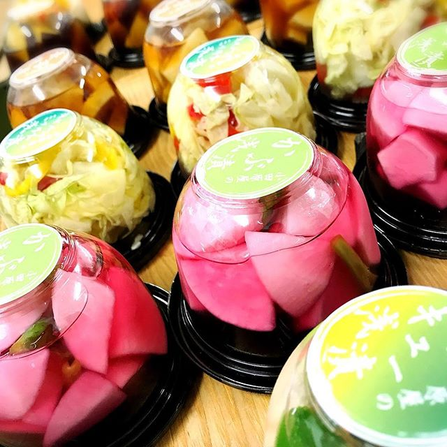 こんにちは旬の野菜や果物をたっぷり漬け込んだ#アンデコ で人気の浅漬けを#AMEKAZE で販売中ですお買い物の際は、チェックしてみて下さい❣️ #お漬物 #浅漬け #小田原屋 #カフェ#郡山 #福島 #旬の野菜 #手作り